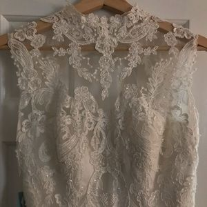 Unique, beautiful & classic wedding dress